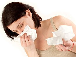 How does sneezing during pregnancy affect you and your baby?