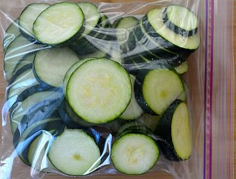 zucchini-sleces-in-bag